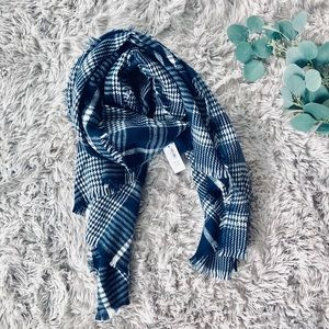 🌿 Old Navy Flannel Scarf 🌿